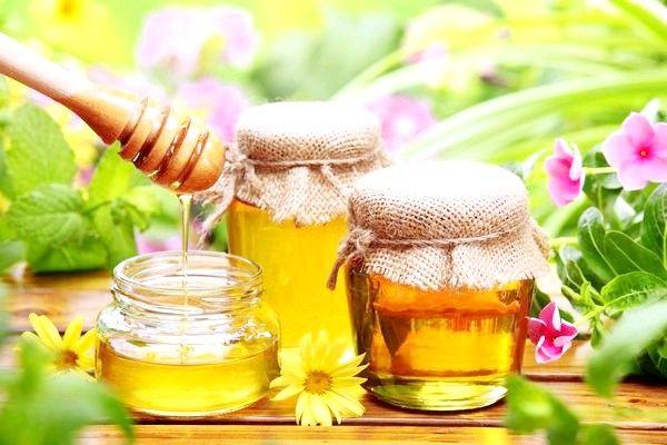 8 полезных свойств цветочного меда