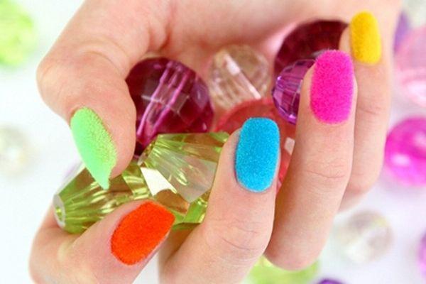 Бархатный песок на ногтях. Где купить и как правильно использовать?