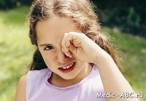 Чем лечить конъюктивит у детей?