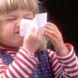 Чем лечить насморк у маленьких детей