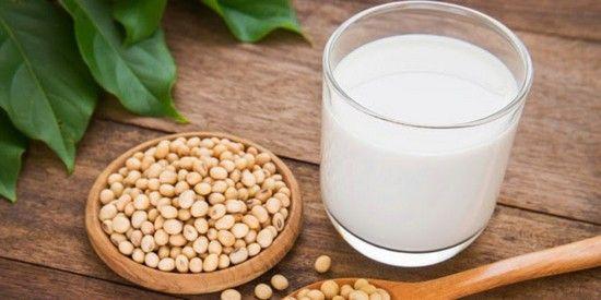 Чем полезно или вредно соевое молоко?