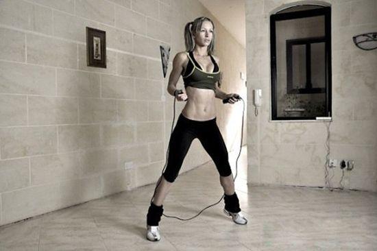 Чем полезны прыжки на скакалке? Какие группы мышц задействованы при прыжках?