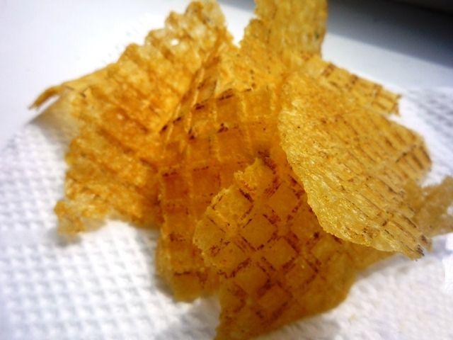 Как сделать чипсы из картофельного пюре?