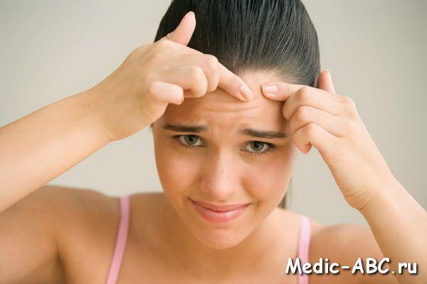 Что делать, если одолевают корки в носу