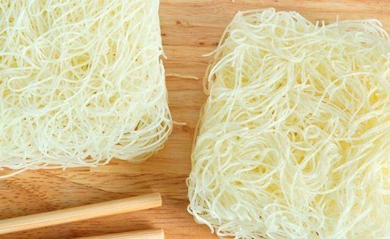 Что это такое – фунчоза? Польза и вред, калорийность стеклянной вермишели