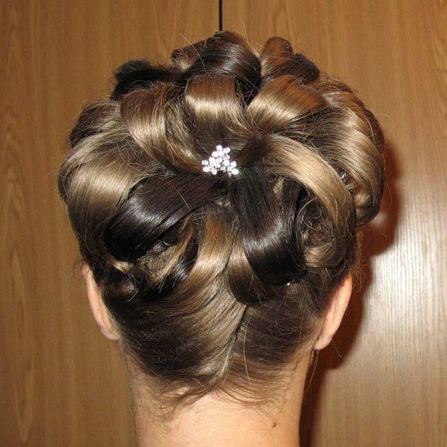 Floare de păr: styling caracteristici. Cum sa faci o floare din păr: Video