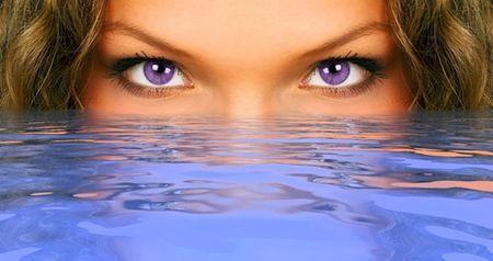 Фиолетовый цвет глаз у человека: это интересно