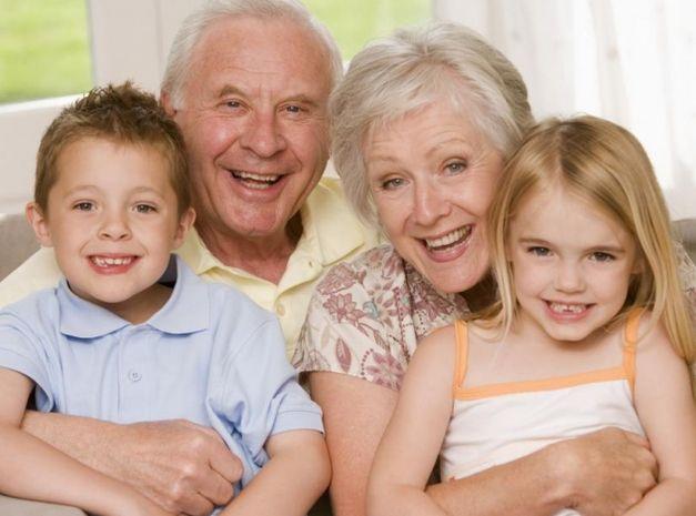 Хубаво ли е, когато бебето домашни баба и дядо?