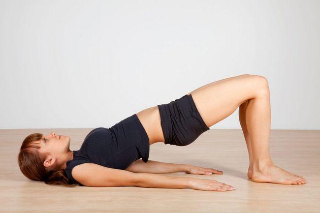 Ягодичный мостик - очень полезное упражнение для догрузки тренировки