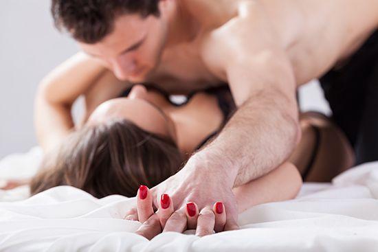 Руки женщины несут в себе огромную силу тепла и нежности