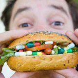 Как еда может влиять на действие медикаментов