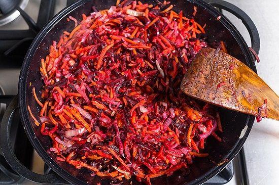 Украинский красный борщ: овощи