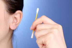 Как и зачем чистить уши