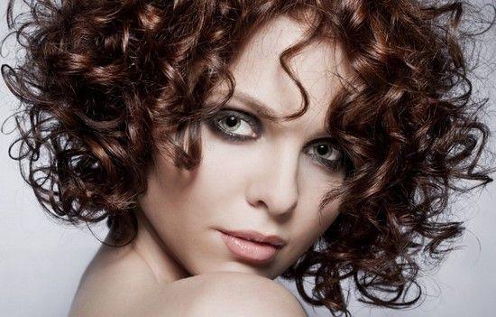 Как красиво накрутить средние волосы на плойку, с помощью фена, утюжка и бигуди?