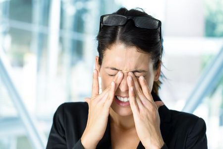 Как лечить глазной клещ: причины и симптомы заболевания