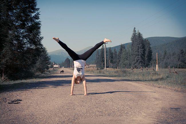 Как научиться делать колесо? Принципы выполнения гимнастического упражнения