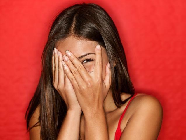 Как перестать стесняться? Способы преодоления стеснения с парнем