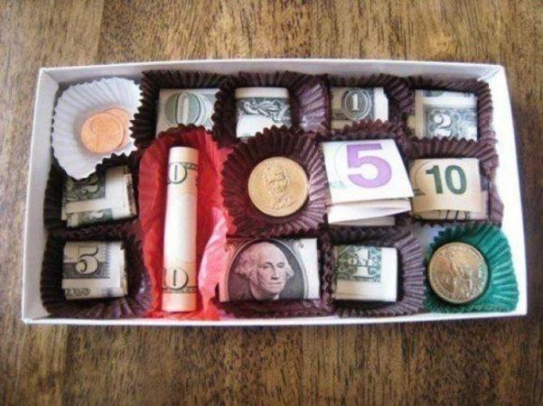Как подарить деньги на свадьбу? Оригинальные способы и примеры подарков