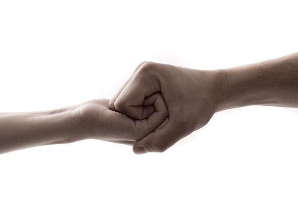 Как поддержать человека в трудную минуту? Советы психологов и житейская мудрость