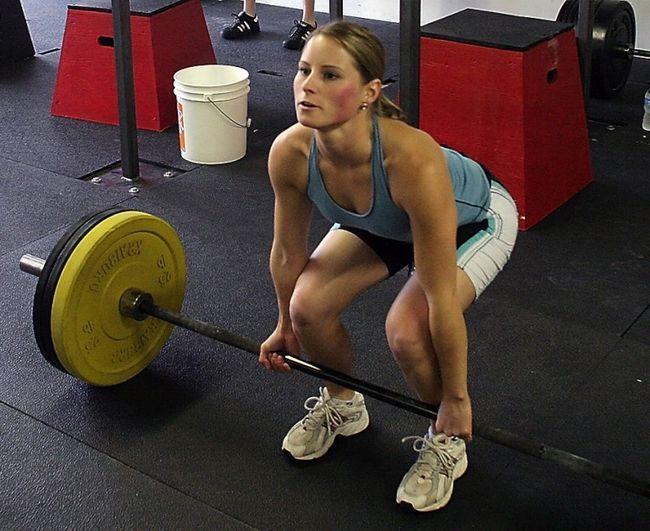 Как правильно делать становую тягу? Техника выполнения и нормативы
