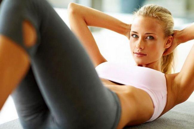 Какие упражнения помогут качать пресс в домашних условиях?