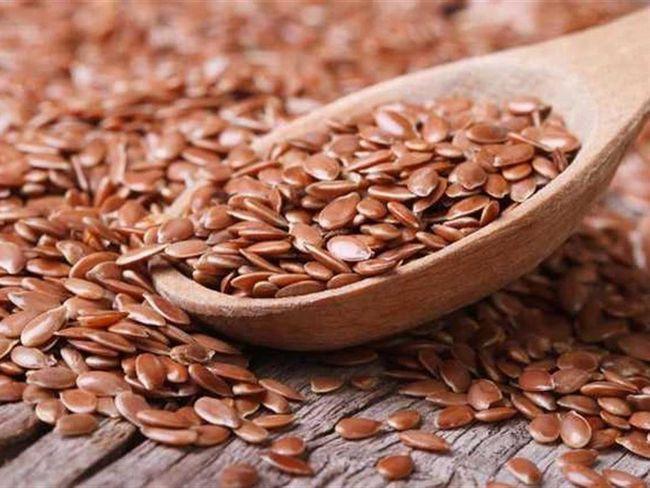 Как правильно принимать цельное и дробленое семя льна для похудения?