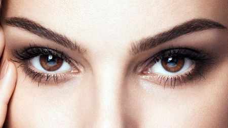 Как правильно закапать капли в глаза: советы офтальмолога