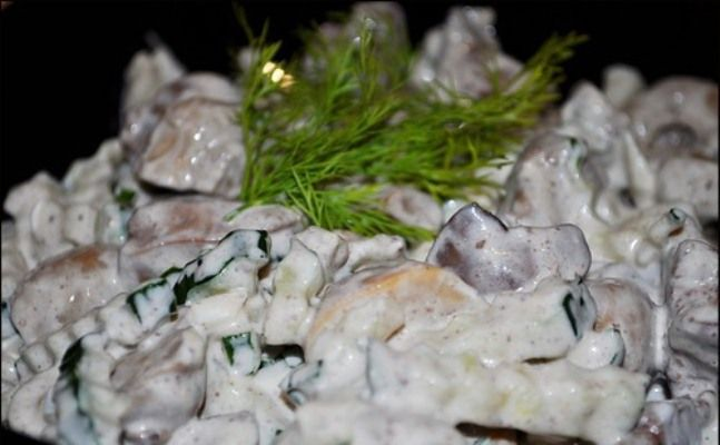Салат из куриной печени с грибами: приготовление