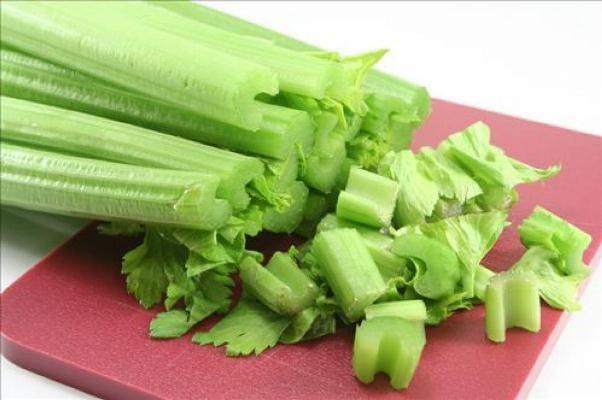 Как приготовить сельдерей? Аппетитные и полезные рецепты блюд из сельдерея