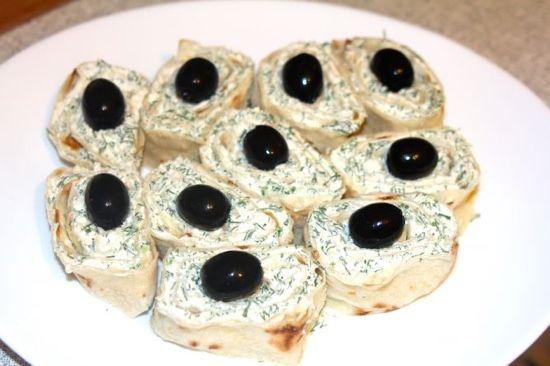 Оригинальные бутерброды для фуршета с сыром