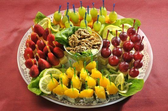 Легкие закуски для фуршета с фруктами