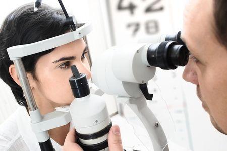 Как происходит определение остроты зрения