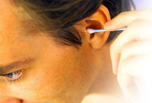 Причины появления серных пробок в ухе. Как почистить ухо в домашних условиях?