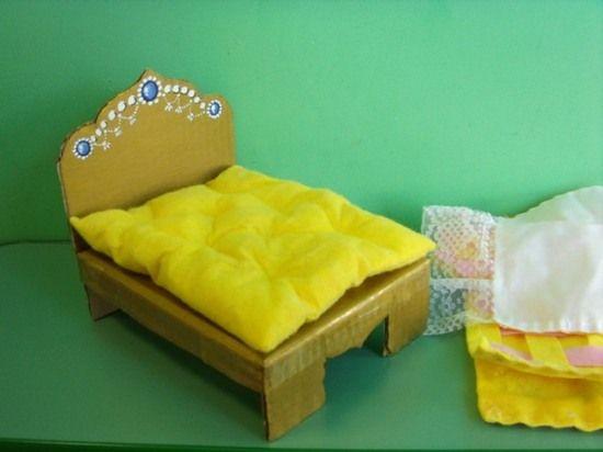 Кровать для кукол из картона