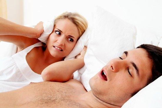 Как вылечить храп у мужчин в домашних условиях: советы и методы