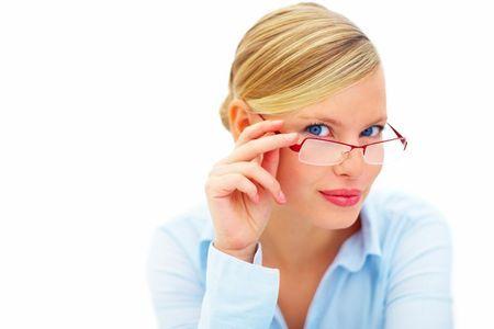 Какие очки для зрения лучше стекло или пластик