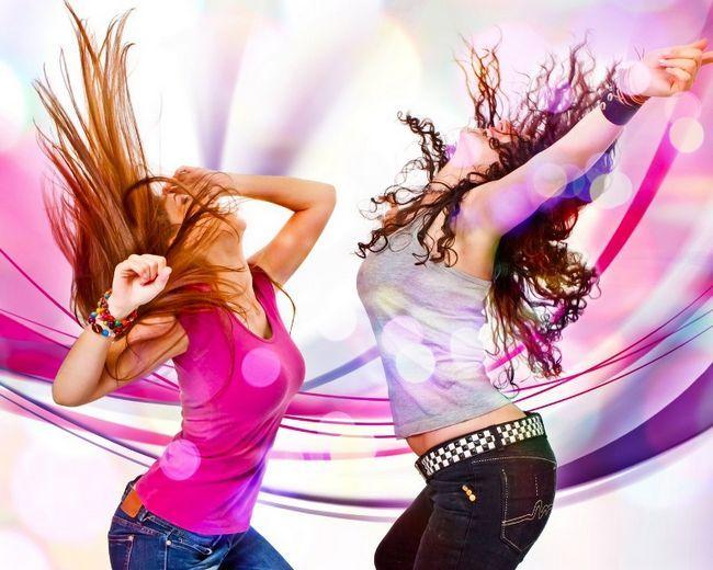 Клубные танцы для девушек: удовольствие с пользой