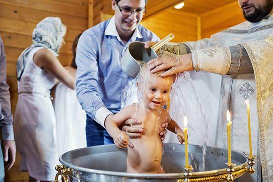 Крещение ребенка - что нужно знать маме? Что необходимо для крещения малыша?