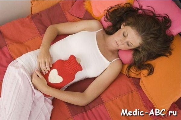 Кровянистый стул после родов: причины и лечение