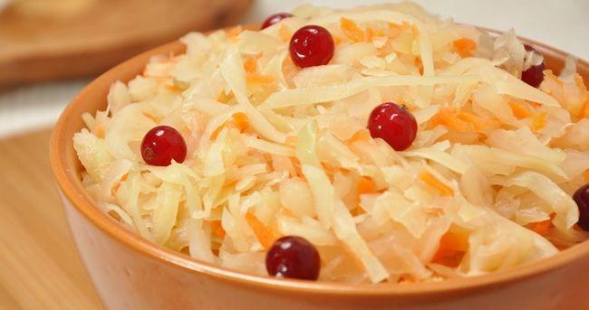 Квашеная капуста: польза и вред для организма, свойства, правильное приготовление овоща