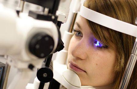 Лазерная операция на глаза: преимущества, последствия и отзывы
