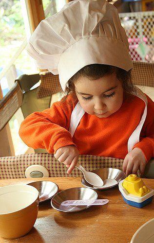 Маленький ребенок - на кухне! SOS!