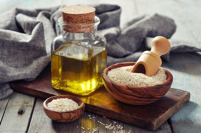 Масло кунжутное: польза и вред. Как принимать сезамовое масло?