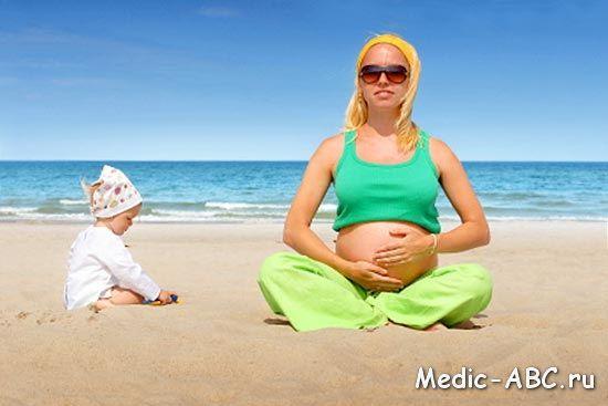 Можно ли беременным купаться и загорать?