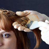 Можно ли красить волосы при кормлении грудью?