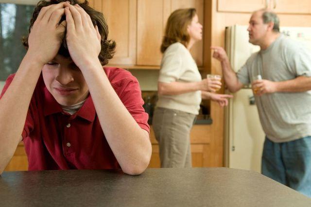 Непонимание между родителями и подростком