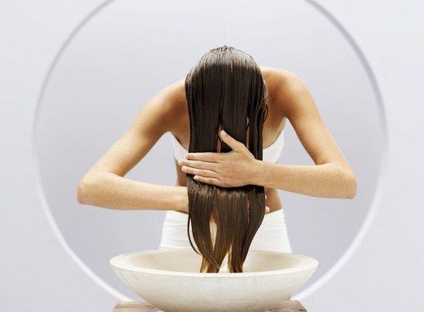 Ополаскивание волос уксусом: польза процедуры. Как ополаскивать волосы уксусом?