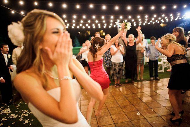 Оригинальные конкурсы для жениха на выкуп невесты в подъезде и в частном доме