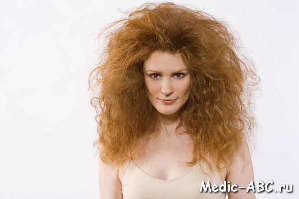 Основные причины ломкости волос