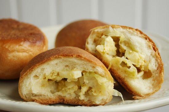Пирожки в духовке с капустой: подборка лучших рецептов и кулинарные советы